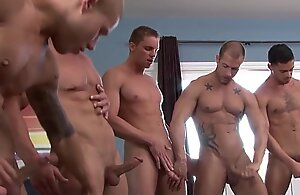 Muscled hunks fuck coupled with suck concerning chubby orgy
