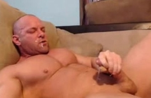 str8 bodybuilder stroke increased by shot at hand his mouth