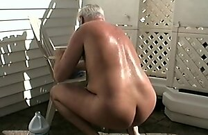 Papa WORKS Lay bare OUTDOORS