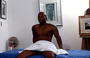 Gayblack african hunk bonks ass token bj