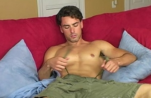Hot Bodied Open Bloke Jeremy Masturbating