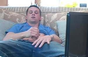 Brunette Straight Guy Hit Wanking